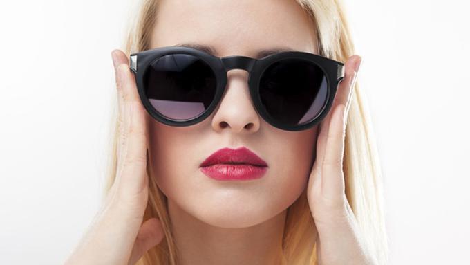 memilih kacamata sesuai bentuk wajah